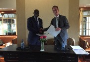 Miljø - og fødevareminister Esben Lunde Larsen har i dag underskrevet en samarbejdsaftale, som skal øge fødevaresikkerheden i Kenya og bane vejen for danske virksomheder. Foto: Miljø- og Fødevareministeriet.