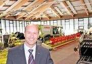 Jens Skifter fortæller at rygraden i den nye Claas-importør i Danmark, Danish Agro, er de privatejede forhandlere. Foto: Claas.