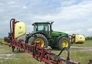 Hardi kan nu levere 4000 liters kapacitet med en liftophængt sprøjte. Foto: Mads Blenker.