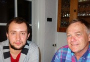 Alex Hansen har lige anset Florin Ariton Papusoiu, som snart dimmiterer fra Grindsted Landbrugsskole. Pressefoto.