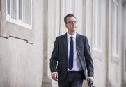 Miljø- og fødevareminister Esben Lunde Larsen tager på Danmarks-turné og møder de danske landmænd. Pressefoto.