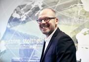 Torben Jensen glæder sig over det nye Seges. Pressefoto.