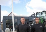 Finn, Erik og Lone er alle næste generation i Kaj Homilius-forretningen og arbejder henholdsvis med salg, værksted og kontor. Fotos: Morten Damsgaard.