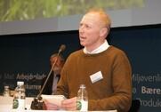 Hans Erik Jørgensen opfordrer Esben Lunde Larsen til hurtig handling. Arkivfoto.