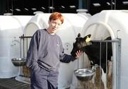 Birgit Gade lægger stor vægt på, at kalvene får de bedste betingelser for en god start.