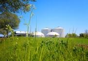 Sammenlignet med sidste års tørre forår er der allerede nu godt gang i udbringningen af biogødning. Foto: Solrød Biogas.