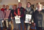 På billedet ses Stig Løcke (til højre) sammen med nogle af ildsjælene fra Geopark Odsherred (fra venstre): Ernst Jensen, Kim Enemark, Vagn Slott Andersen, Arne Andersen, Anders Biltoft Kristensen og Helle Nordgaard. Foto: Ulrik Larsen.