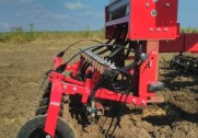 Ombygget Ovlac-plov bliver i disse uger afprøvet i efterafgrøder på Sjælland. Pressefoto.